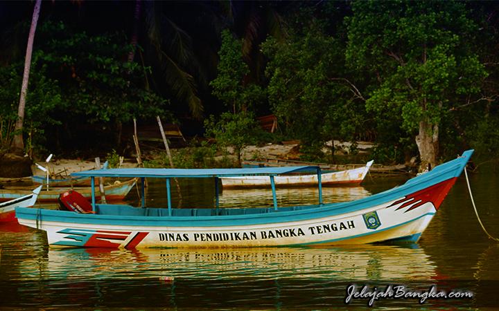 Perahu Dinas
