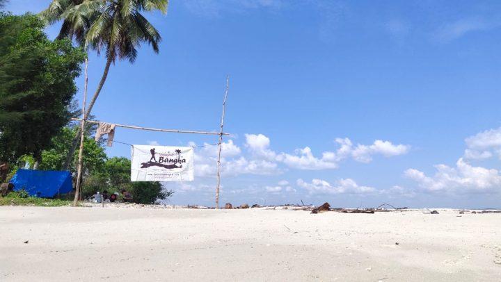 Pulau Nanas, Wisata Aman dan Bernilai Sejarah di Tengah Teluk Kelabat